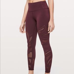 "Lululemon Reveal Tight 26"" En Avante Dark Adobe"